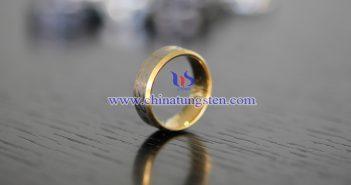 women tungsten golden ring picture