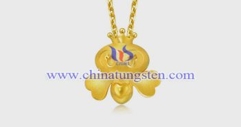 gold plated tungsten alloy bee pendant picture
