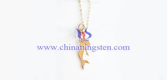 gold plated tungsten alloy mermaid pendant picture