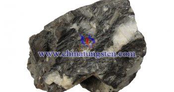 黑钨矿图片