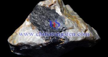 黑钨精矿图片