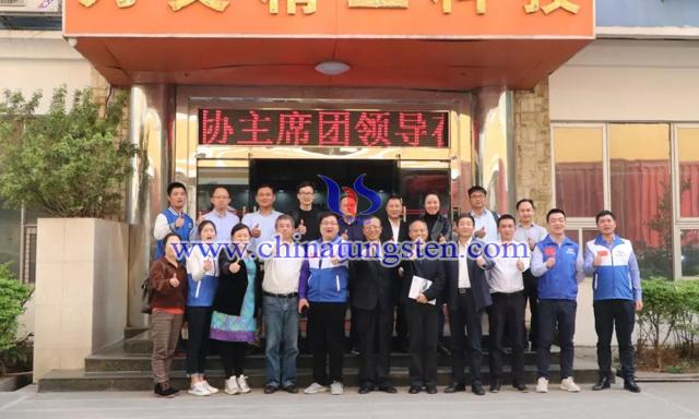 与会代表到广东刀父精工科技有限公司参观